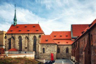 Junior Klub II/2021 – Bevezetés a gótikába (Szent Ágnes Kolostor) / Poznáváme gotiku